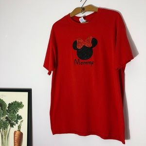 Disney red and black glitter Mommy tee size Large